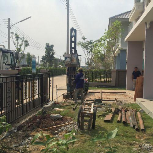 งานตอกเข็มไมโครไพล์ก่อสร้างโรงจอดรถ รังสิต